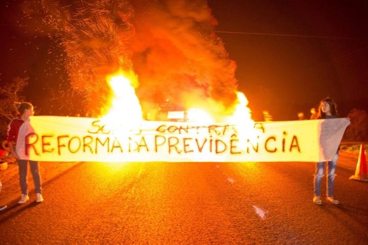 x14J_Protesto_em_Porto_Alegre