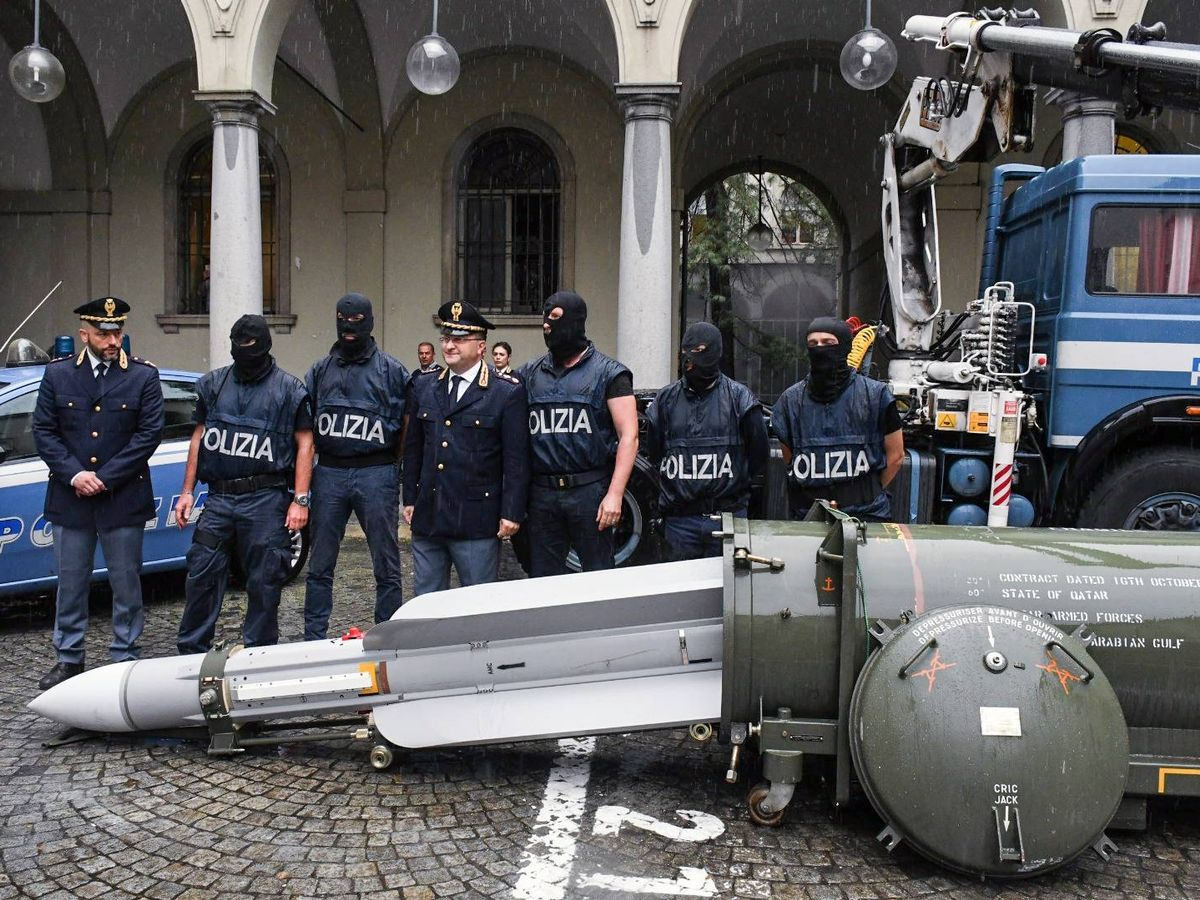 ITALY: Police Raid Uncovers Weapons, Missile in Neo-Nazi Possession