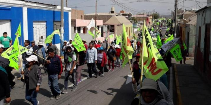 Peasant farmers held large demonstrations across the Arequipa region complete with roadblocks and burning tires