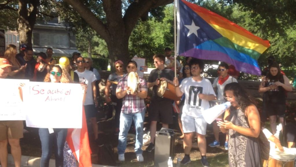 AUSTIN: Demonstration Calls for Solidarity with Puerto Rico Protests