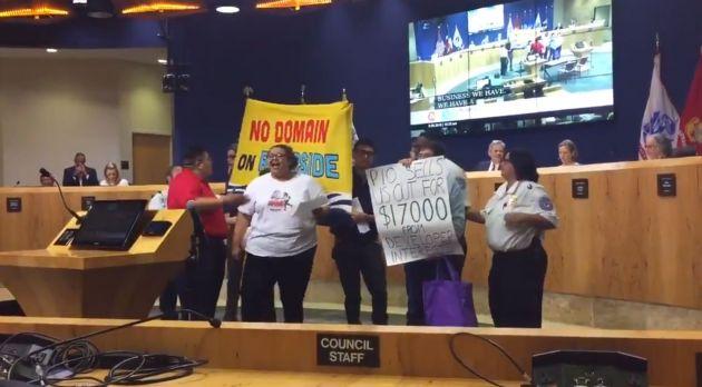 AUSTIN: ¡Defiende a los Defensores! Una Línea de Tiempo de la Lucha Contra la Gentrificación en Riverside
