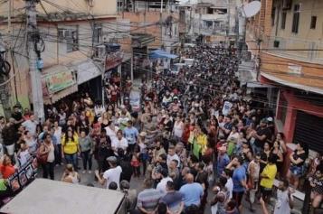 Hundreds protest the murder of Agatha Felix in Complexo do Alemão favela