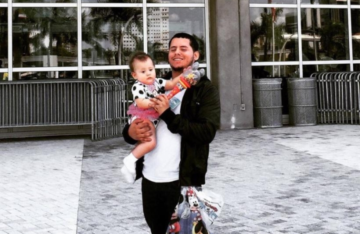 Ordonez with one of his daughters alternate