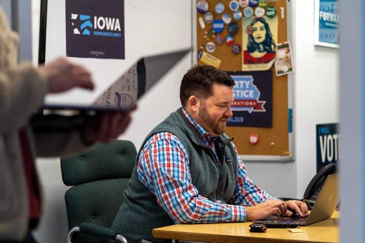 US-POLITICS-VOTE-IOWA